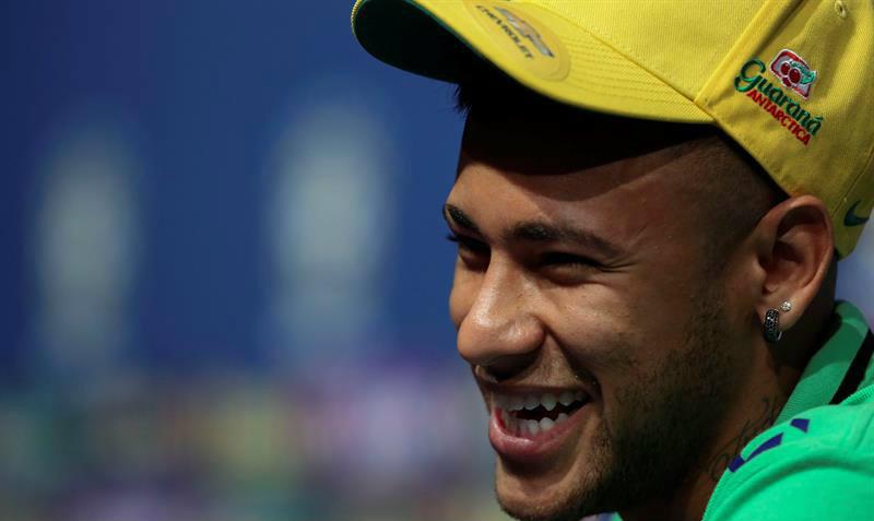 Neymar tendría un salario base de $16 millones de dólares al año