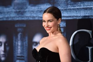 Emilia Clarke subasta una cena virtual para ayudar a combatir el coronavirus