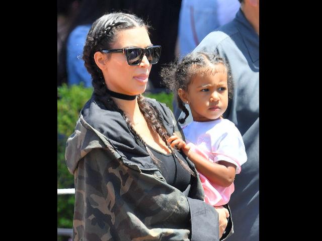 North West, hija de Kim Kardashian, debuta en las pasarelas ¡con cinco años de edad!