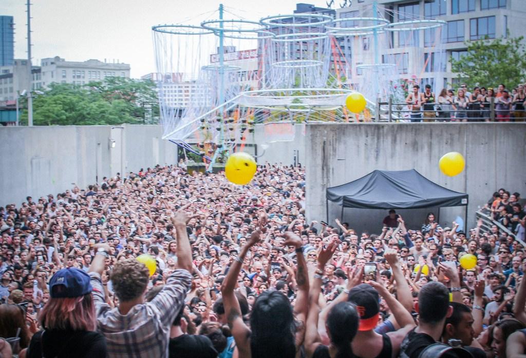 El festival 'Warm Up' se celebra cada año en el patio del MoMA PS1.