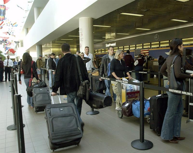 Este sería un buen momento para pensar en viajar con permiso del gobierno estadounidense, para beneficiarios de DACA y TPS. Pero es preciso consultar expertos legales antes de hacerlo (Foto: Archivo)