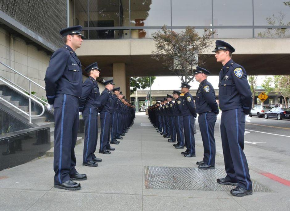 Escándalo en Oakland: más agentes implicados en abuso de jovencita latina