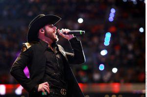 Gerardo Ortiz celebra su nuevo álbum con Otra Borrachera en Premios Lo Nuestro