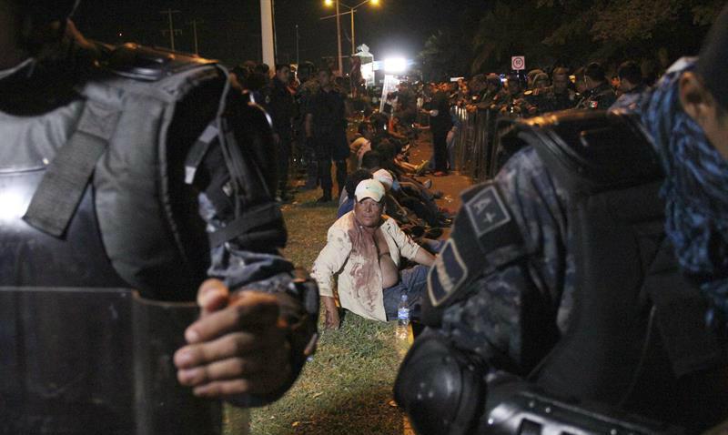 Dos heridos de bala en desalojo de maestros en Chiapas