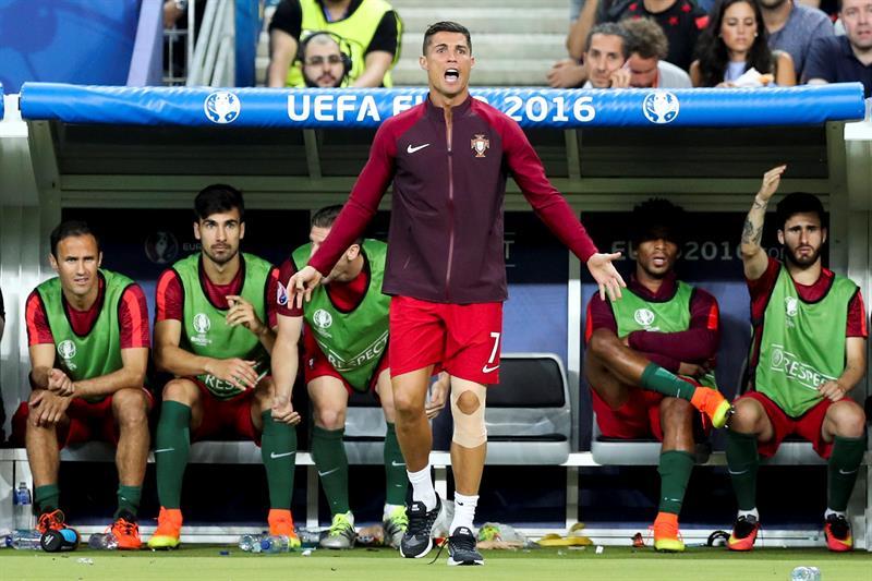 Video: Así festejó Cristiano Ronaldo desde el banco de suplentes el gol del título