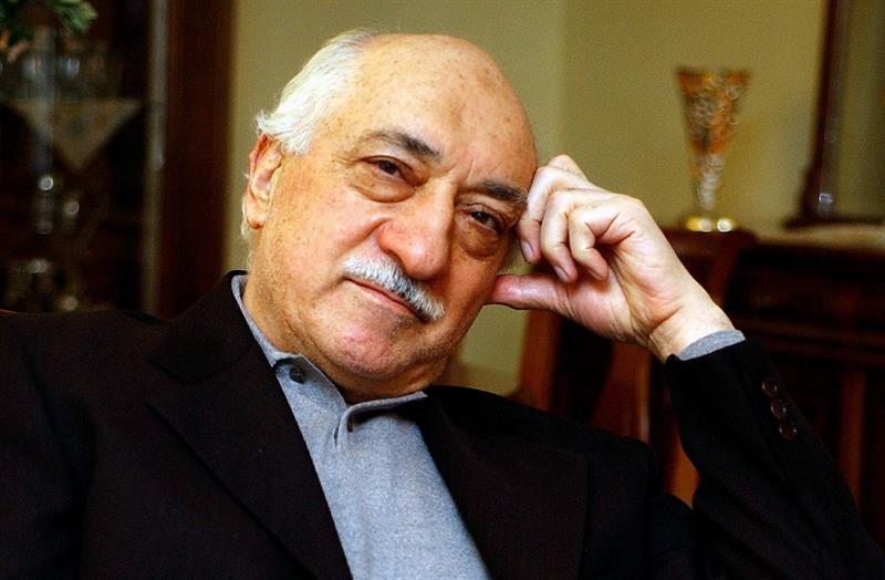 Clérigo turco insinúa que Erdogan pudo simular golpe de Estado