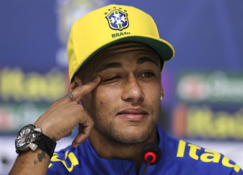 """Neymar defiende la fiesta: """"No soy un tipo perfecto, me gusta salir"""""""