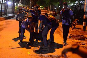 Al menos dos muertos en ataque reivindicado por ISIS en Bangladesh