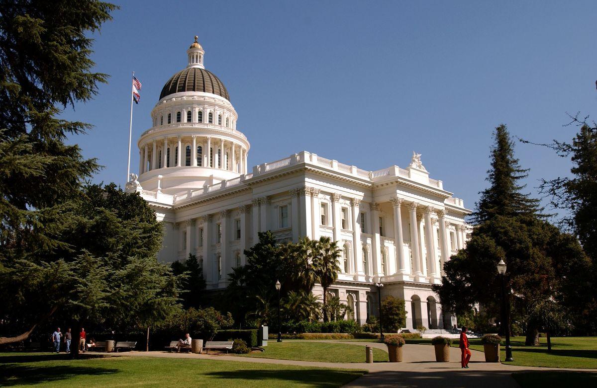 40 diputados de la Asamblea de California estarían de acuerdo con la revisión.
