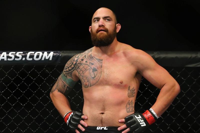 UFC 200: el rival de Caín Velásquez en la gran velada es Travis Browne… el novio de Ronda Rousey