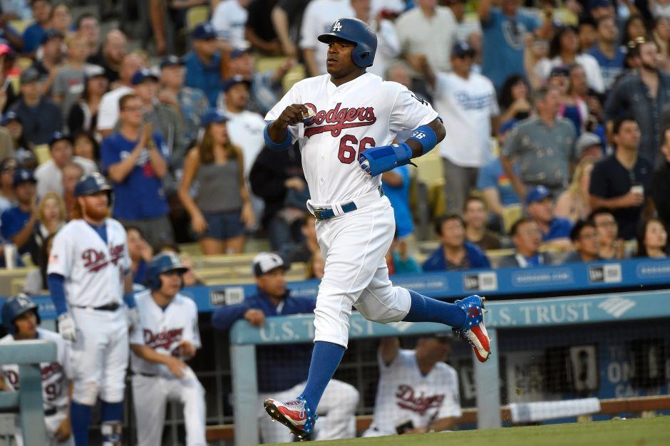 Duelo de Julio Urías y Yovani Gallardo fue un duelo de batazos; Dodgers vino de atrás para ganar