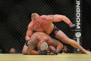 UFC 200: Brock Lesnar regresó y dominó a Mark Hunt