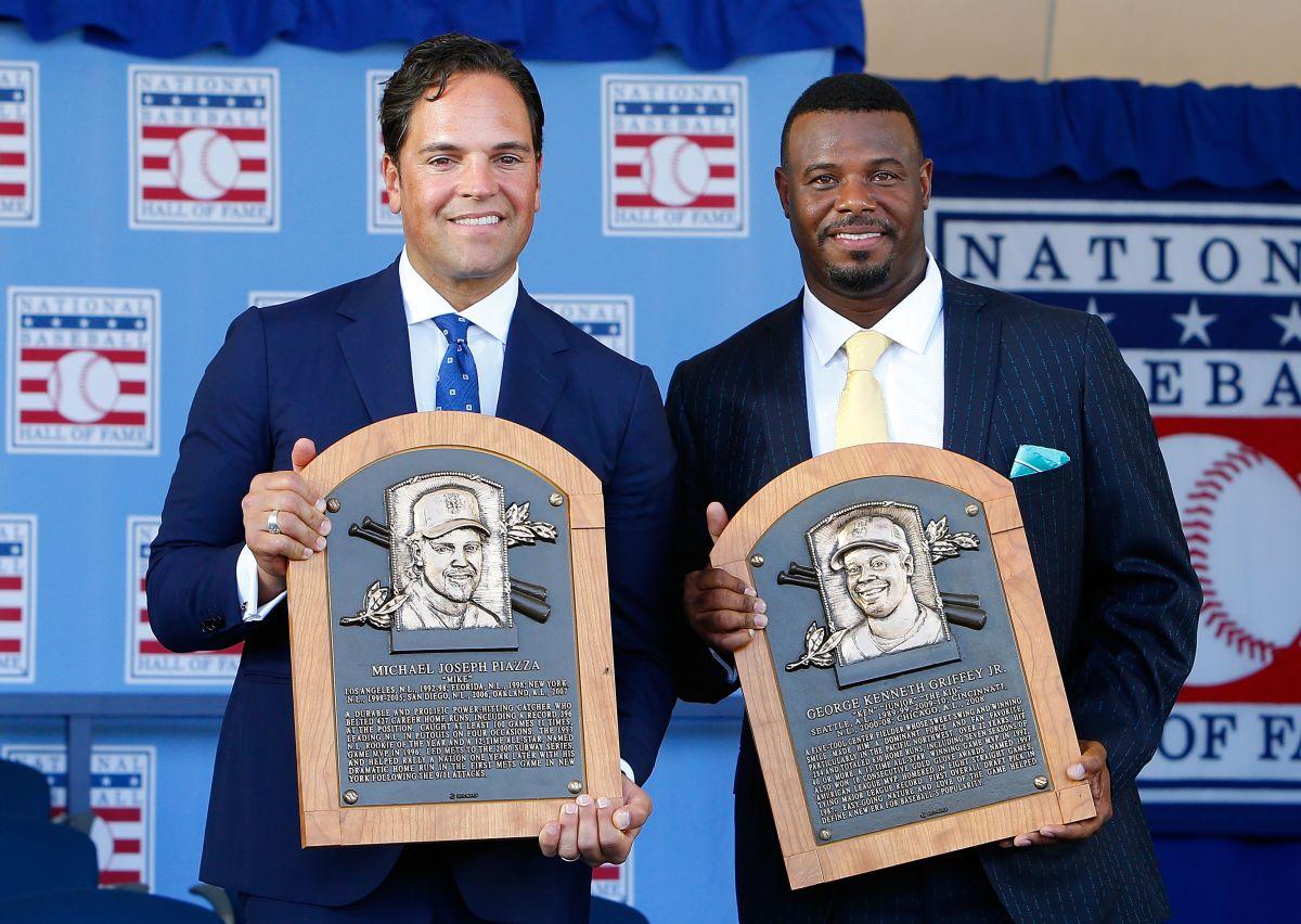 Mike Piazza ingresa al Salón de la Fama y lo hace con tributos a fans de los Mets y héroes del 9-11