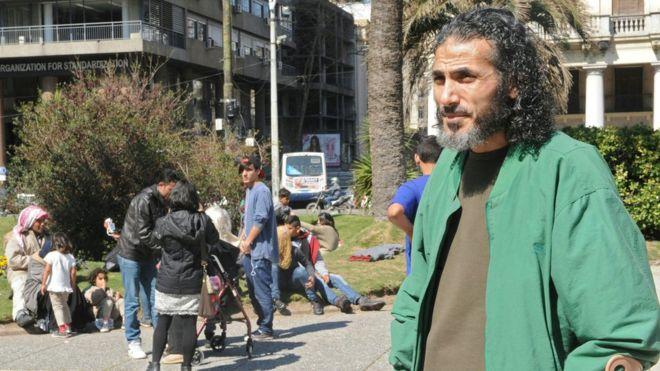 Exprisionero de Guantánamo refugiado en Uruguay reaparece en Venezuela