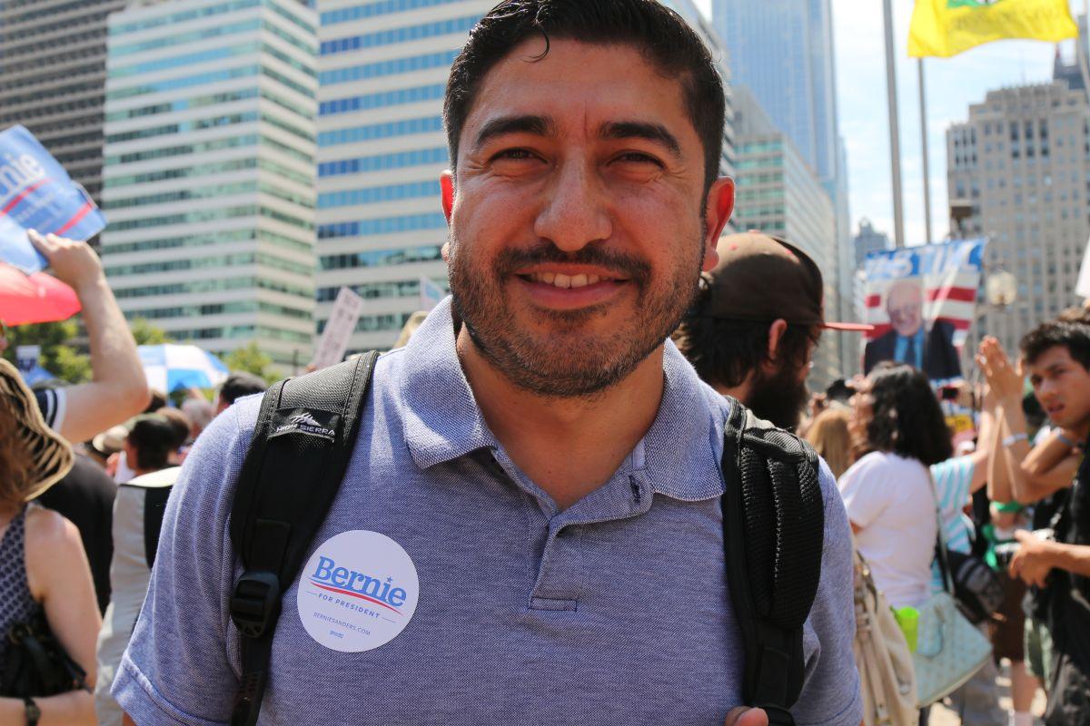 Arturo Carmona, exasesor de Bernie Sanders, es candidato al Congreso por el Distrito 34.