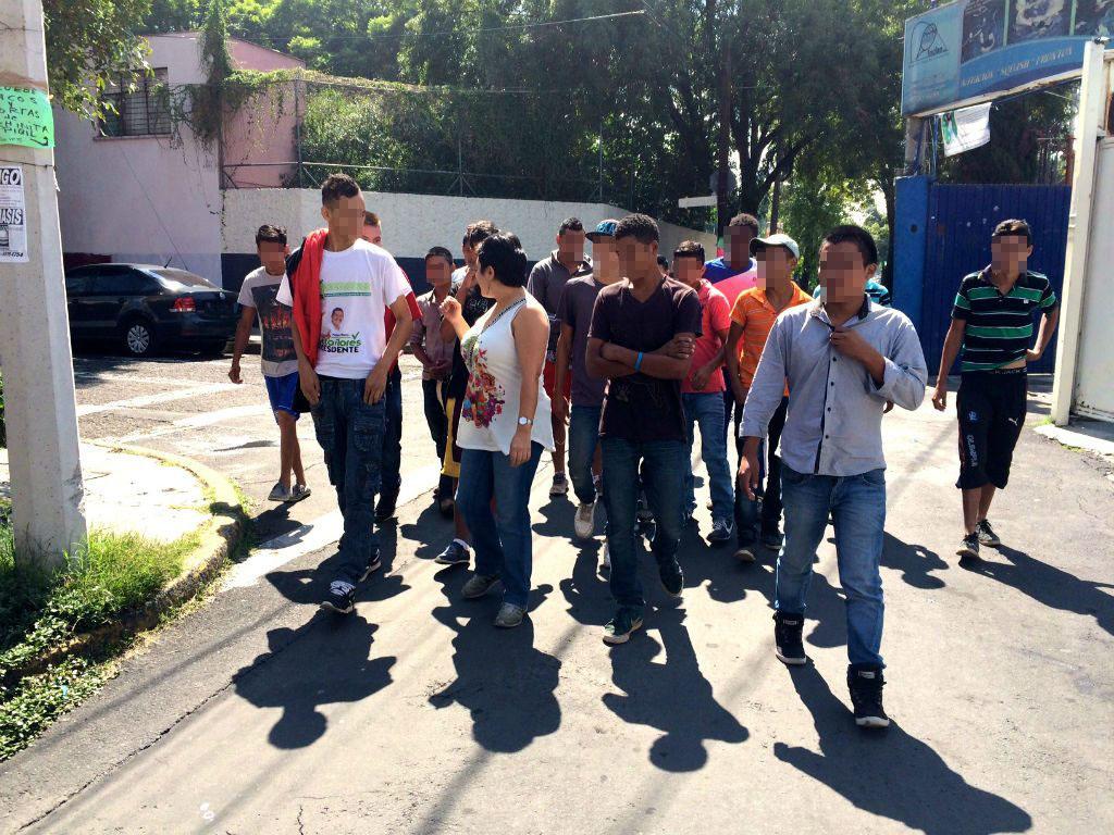 Adolescentes centroamericanos le exigen refugio a México
