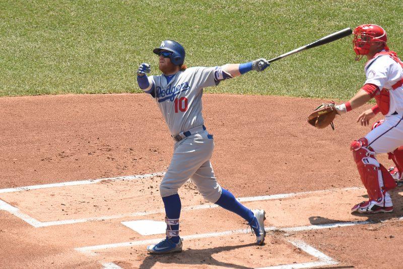 Julio Urías y Justin Turner ayudan a los Dodgers a quitarle lo invicto a Stephen Strasburg