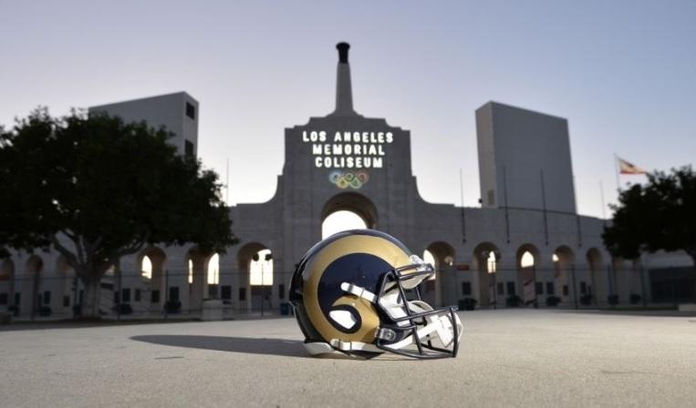 ¿Te gustaría trabajar para los L.A. Rams?
