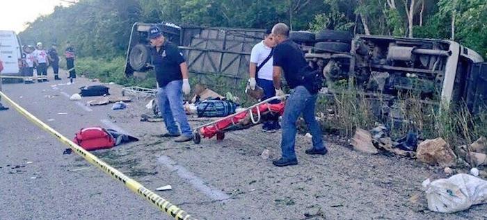 Volcadura de bus en México deja 11 muertos