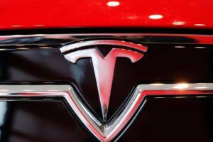 Tesla bajará los precios de tres de sus modelos: serán $2,000 más baratos