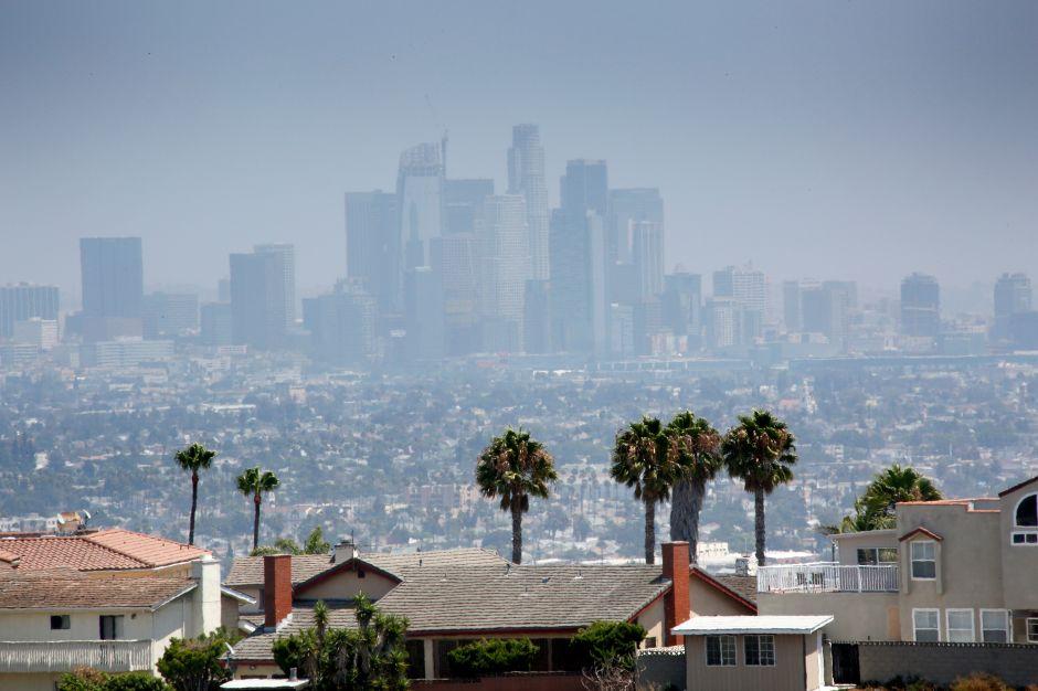 Alerta por mala calidad del aire en Los Ángeles después de los fuegos de artificio del 4 de julio