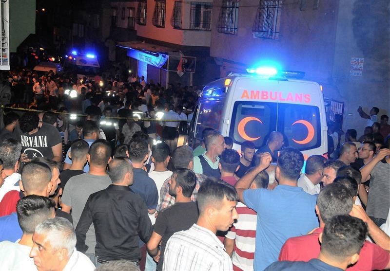 Erdogan culpa a ISIS de ataque en boda turca; aumenta a 51 la cifra de muertos