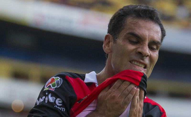 Ni siquiera Rafa Márquez rompió la maldición rojinegra.
