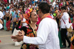 CNTE bloquea acceso a la Guelaguetza y golpea economía de Oaxaca