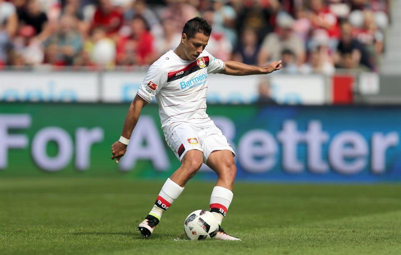 ¡Chicharito en fuego! Le marcó gol a la Real Sociedad de Carlos Vela