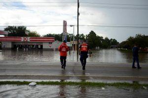 Ascienden a 11 los muertes por las inundaciones en el sur de EEUU