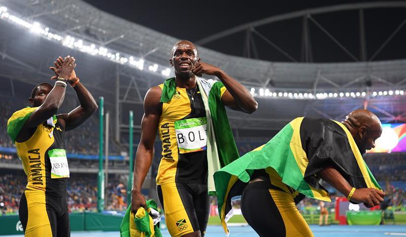 Bolt consumó el triple-triple en Río y ganó su noveno oro olímpico