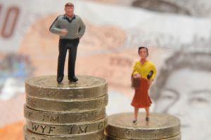 Todos pierden con la brecha salarial