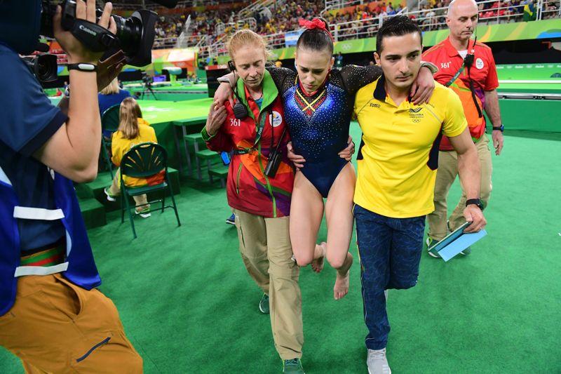 Videos: Más drama en la gimnasia de los Juegos Olímpicos