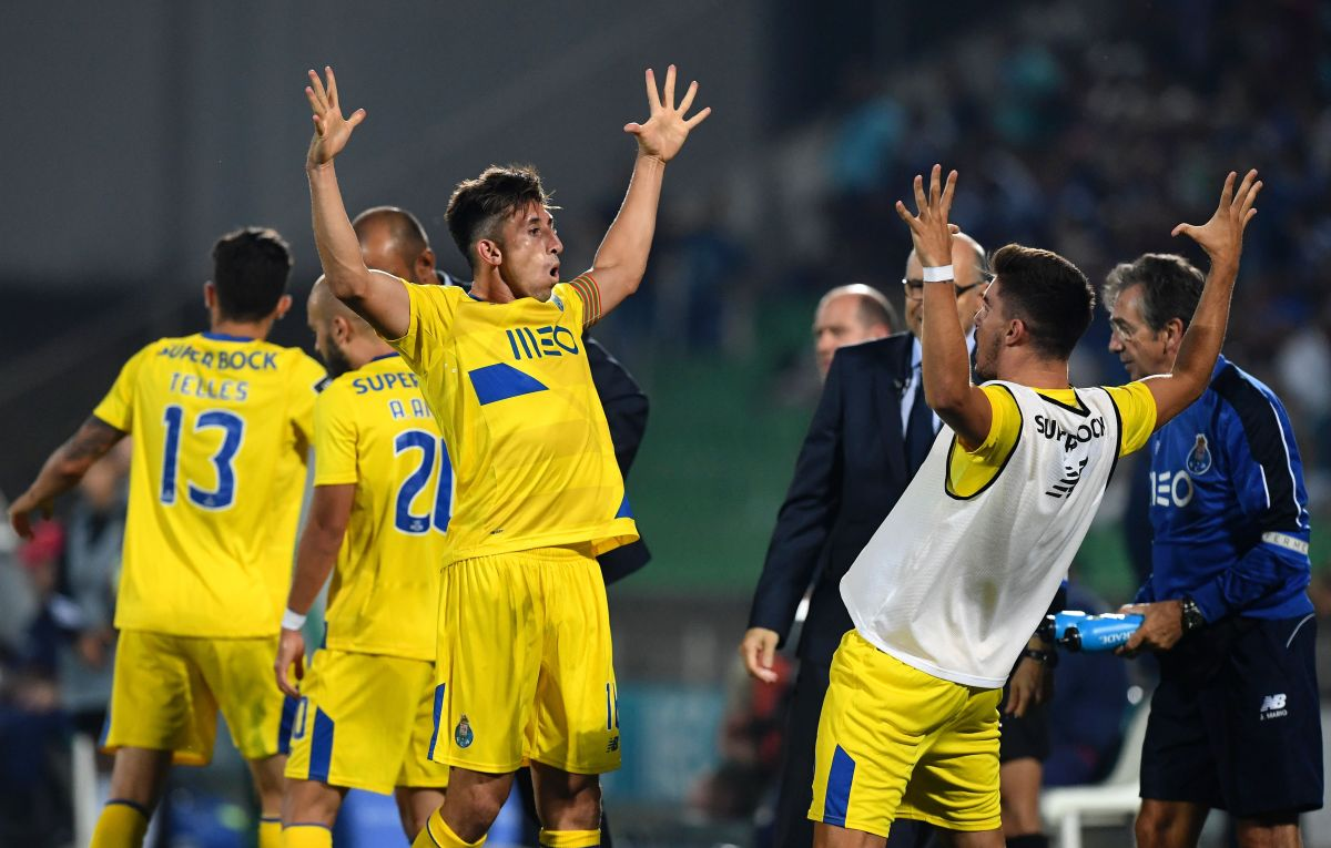 Héctor Herrera y 'Tecatito' Corona inician la temporada con golazos en el Porto