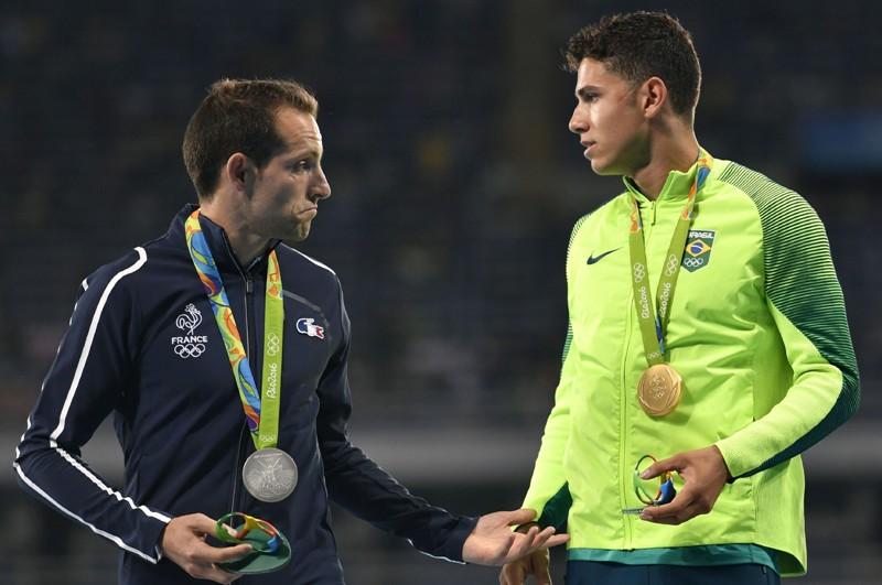 Video: El público lo abucheó en el podio de Río 2016 y su rival brasileño lo defendió