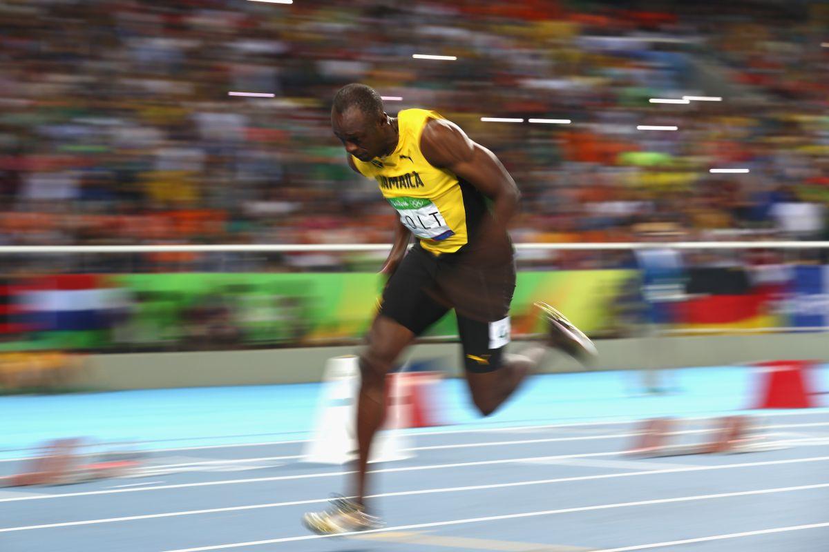 Usain Bolt ganó el oro en 200 metros en Río y va por el triple-triple