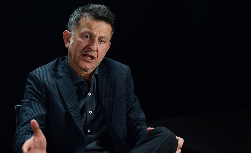 Osorio habla del 0-7 y culpa a jugadores del Tricolor de distraerse con Facebook y Twitter