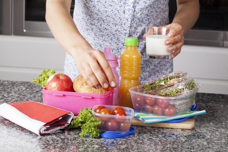 Alarga la vida de los alimentos básicos de la cocina y cuida tu salud.
