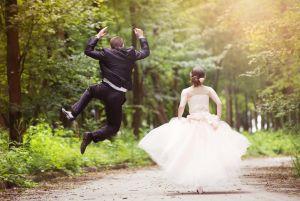 Esquina migratoria: cómo tramito para que mi novia en el extranjero venga a casarse a LA