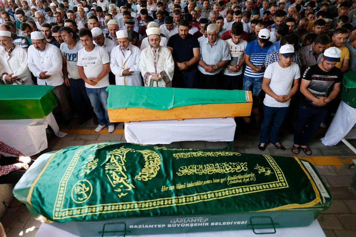 Atentado terrorista revive la tensión política en Turquía