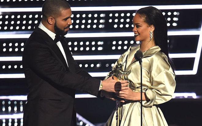 La mansión de Malibú que compartieron Drake y Rihanna (por separado) a la venta por casi $19 millones