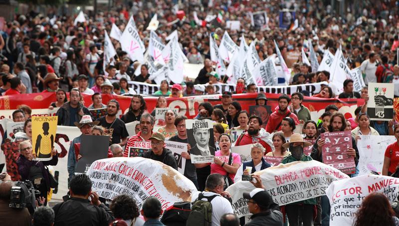"""Gobierno deja atrás la """"verdad histórica"""" en caso Ayotzinapa"""