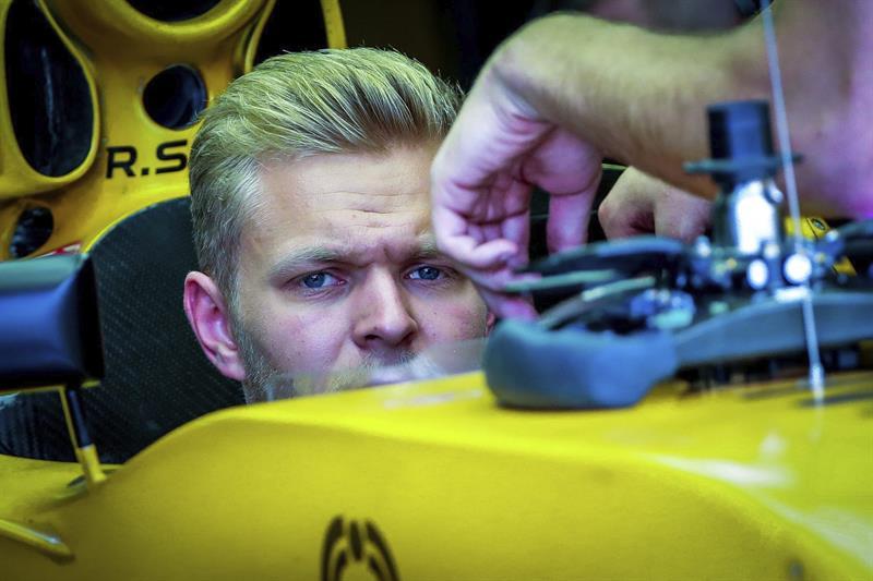 Fórmula 1: Piloto logró salir de su auto justo antes de incendiarse