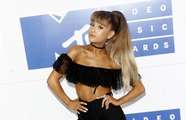Video: Ariana Grande confesó su nuevo romance con el rapero Mac Miller