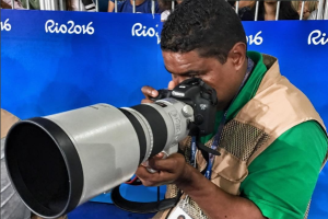 El brasileño João Maia es el primer fotógrafo ciego que cubre unos Juegos Paralímpicos