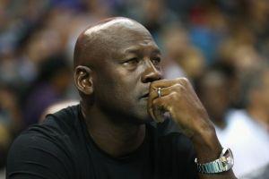 Michael Jordan llama a la calma social en un Charlotte en ebullición