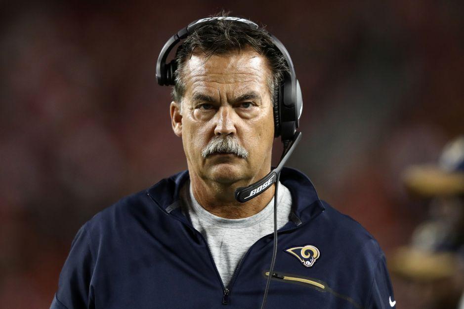 Jeff Fisher va por el récord de derrotas en la NFL, pero los Rams están por extenderle su contrato