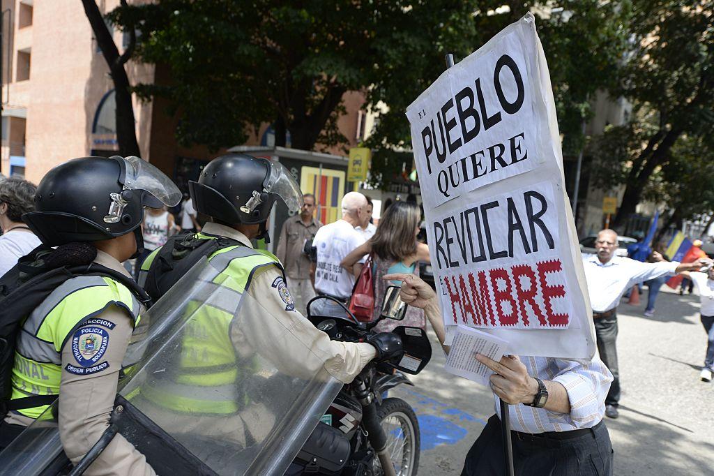 Miles de venezolanos solicitan un referendo revocatorio contra Maduro. AFP/Getty Images