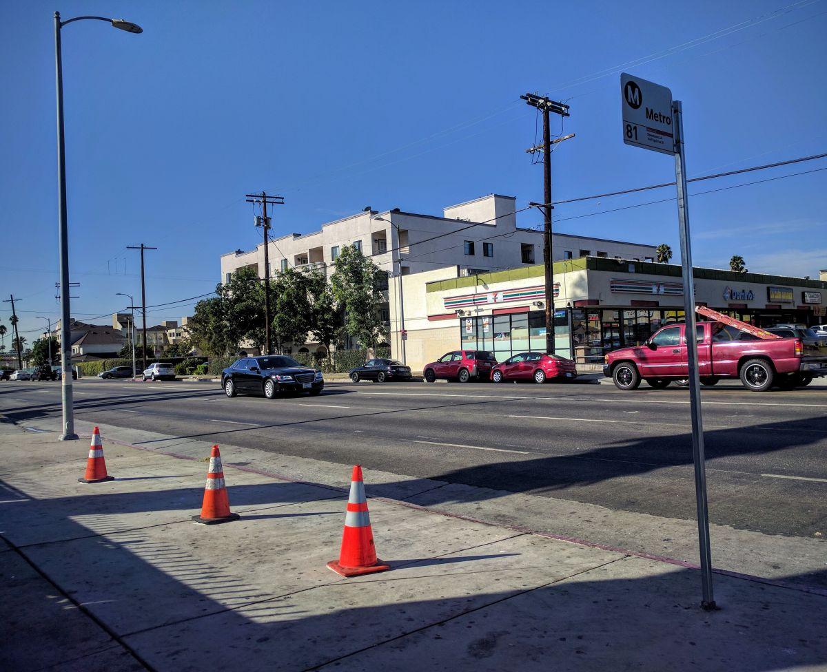 Conductor atropella y mata a un anciano de 70 años en Sur Los Ángeles