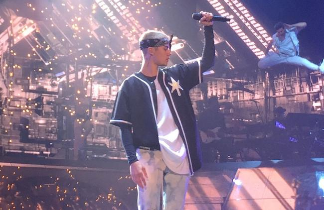 Video: Mira el bochornoso momento que pasó Justin Bieber en un concierto